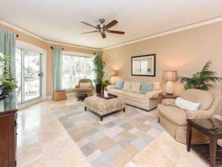 Luxurious Ocean View - Professionally Decorated 1BR/2BA Windsor Place Villa, Hilton Head