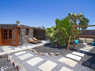 Tranquil Studio: Eco Casita, Inc Transfers/Car, Pool, Beach, Play Park, WIFI