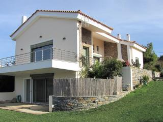 Sea view house,excellent location, Marmari