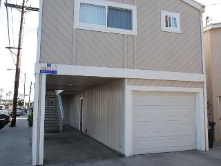 Great Upper Duplex, 1 Block From the Beach! (68203)