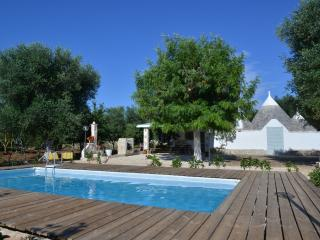 Trullo Fico d'India with Swimming Pool