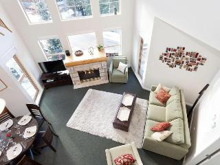 Whistler Ideal Accommodations: 2 BEDROOM PLUS LOFT IN THE VILLAGE