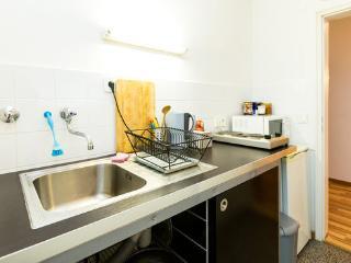 2Zimmer mit 4Betten, Sofa, Küche, free Parken,WLAN, Colonia