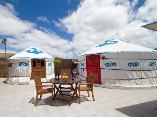 Lux Eco Chiquitita Yurt, Pool, Free Hybrid Car, 300mt to Sandy Beach, Play Park