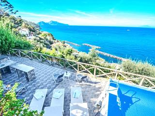Amalfi Coast VILLA ELISI, just 300 meters to the sea,sea view,private pool,wifi