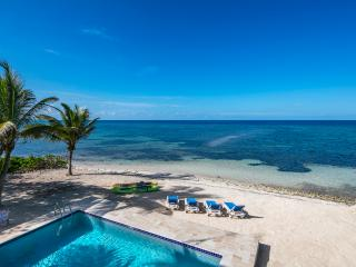 Ocean Oasis - Private Beachfront Villa With POOL, North Side