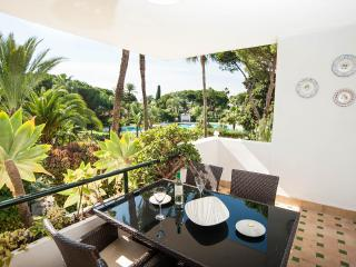 El Presidente MADRONO; Beachside, Heated Pool,Wifi, Estepona