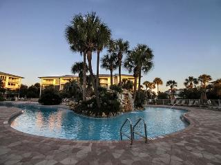 Poolside Rental with Beach Access in Seacrest, Seacrest Beach
