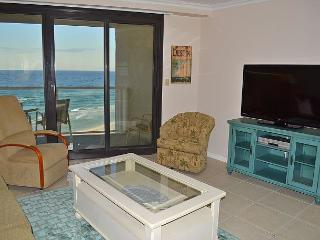 Cozy, upgraded clean beachfront condo at affordable rates~FREE golf + fishing