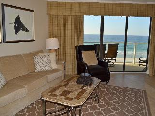 Take a load off in this cozy fully-remodeled condo with tons of amenities!, Miramar Beach