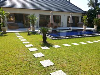 Villa Santai, 2 BR villa with private pool, Tulamben