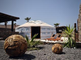 Eco Luxury Yurt Suite, Pool, Play Park, Hybrid Car/airport transfer incl, Beach
