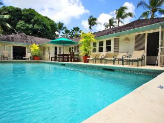 Spacious and Family Friendly-- Short walk to the beach, Gibbes