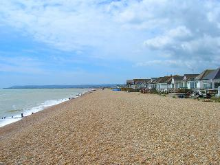 'Oyster Bungalow' Rental, Pevensey Bay, Eastbourne