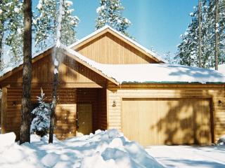LOG CABIN, PINETOP CCLUB,1800 SQFT,CLOSE TO SKIING, Pinetop-Lakeside