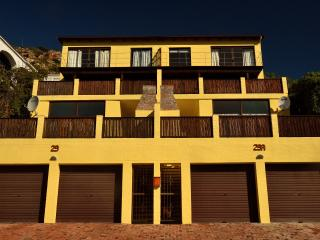 Berg and Beach Luxury Self-Catering Apartments, Fish Hoek