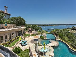 Villa Bella Largo with 3 Pools & Lake Access, Austin