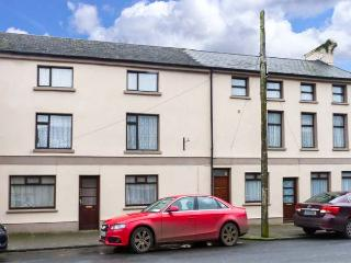 APARTMENT NO. 1, pet-friendly apartment, close pub, good walking, Clogheen Ref 923590, Cahir