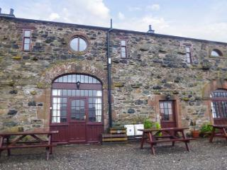 MELLFELL COTTAGE, barn conversion, pet friendly, open fire, WiFi in