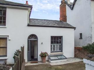 WOODLAND COTTAGE open fire,WiFi, romantic in Malvern Wells Ref 930291