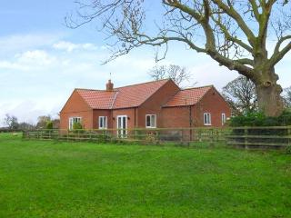 MIDDLEGATE, all ground floor, woodburning stove, pet-friendly, Malton, Ref