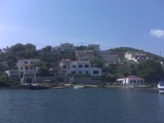 """""""Villa Tarro"""" casa marinera  con excelentes vistas al Puerto muy tranquila"""