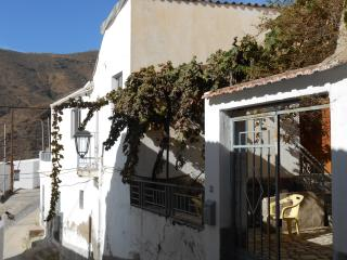 Traditional style house only 6km from the sea, Albunol