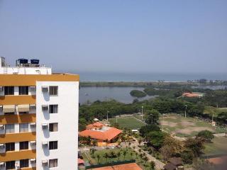 Pontoes da Barra, PR perto  praia e regiao Olimpica, Rio de Janeiro