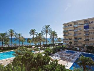 EXCELENTE APARTAMENTO A PIE DE PLAYA (AC), Marbella