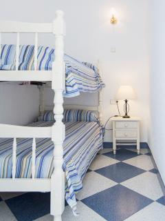 THIRD BEDROOM WITH TWO SINGLE BEDS (Bunk beds) / TERCERA HABITACIÓN CON DOS CAMAS (Literas)