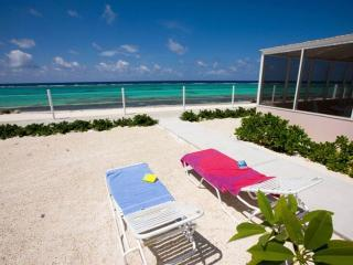 Kozy Kai - Sealodge #17, Grand Cayman