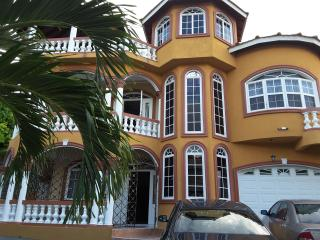 Cazwin Villas - Luxury 5 Bed Home from Home Villa., Montego Bay