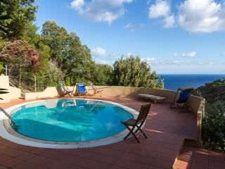 Villa Gianna with private swimming pool and BBQ, Costa Paradiso