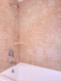 WAILEA EKOLU, #203 - Guest Bathroom