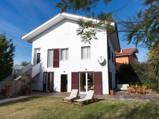 Guest House  LE ACACIE  villa vicino Pescara