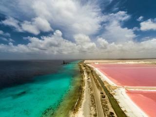 Casa Esmeralda ***Exclusive Oceanfront Luxury!!***, Kralendijk