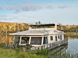 Reflections - 4 Bedroom Houseboat, Blanchetown