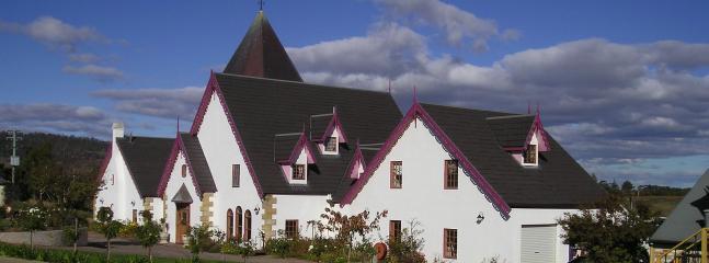 Hatchers Manor