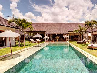 ABACA, Luxury 10 Bedroom Large Pool Villa, Petitenget, Kerobokan