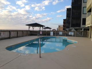 2 Wks IN SEPT JUST OPENED! Beachfront 3bd/2.5 CONDO w/pool!