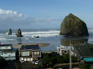 Spectacular Cannon Beach View  - Life's a Beach