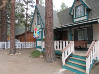 Chickadee Cabin at Big Bear Lake