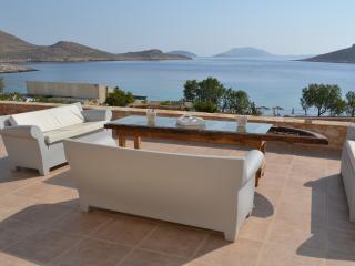 Villa Aristoteles Majestic beach front villa, Halki