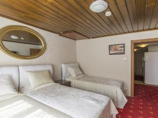Triple Room with bath and kitchen, Estambul