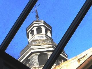 Historic 'MAISON DE L'OISELIER'- inner Beaune-tasting cellar-terrasse