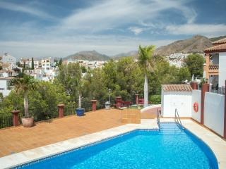 Spacious & cosy apartment near to beach Aljamar 5b, Nerja