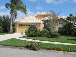 Spacious Pool Home in Bobcat Trail Golf Course Com, North Port