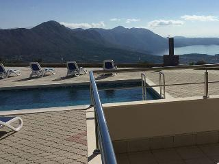 Apartment Nela with pool near Dubrovnik, Gornji Brgat