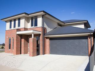 Ballarat Luxury Villas, Suven 10 Kewley Grove,3350