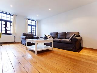 1 bedroom apt 2min to Grand Place !, Bruselas
